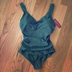 NWT 1-piece swimsuit olive scallop vneck wmn Small